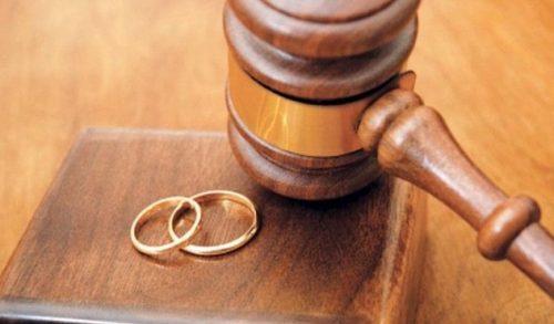 طلاق زن ۲۲ ساله توسط همسر 77 ساله