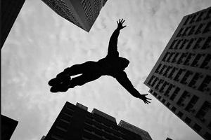 سقوط مرموز و مرگبار زن جوان از بالکن خانه در تهران!