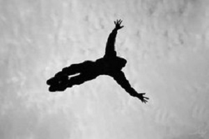 ماجرای خودکشی دانش آموز با سقوط از طبقه سوم مدرسه در تهران!!