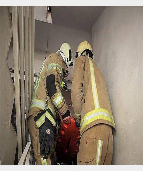 سقوط هولناک پسربچه ی ۵ ساله از ساختمان ۵ طبقه