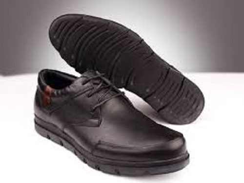 ضرب و شتم پسر جوان به خاطر کفش هایش