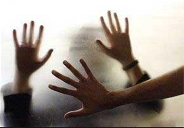فریب دختر جوان ۱۷ ساله باعث شد سر از خانه فساد درآورد