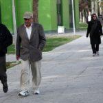 نقشه شوم زن جوان برای پیرمردان مسن در پارک