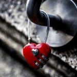 عشق واقعی به سهراب ، الهه را مجبور کرد تا کودکش را در زندان به دنیا بیاورد