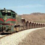 ویدیو از حادثه در شهرری تهران / یک پراید زیر قطار له شد