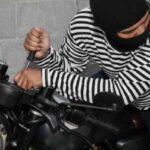 سرقت باورنکردنی و عجیب موتورسیکلت توسط یک بچه