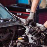 نجات معجزه آسای تعمیرکاردر تصادف وحشتناک در تعمیرگاه خودرو