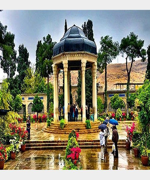 غزل شماره ۲۸۰ حافظ : چو برشکست صبا زلف عنبرافشانش