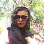 نفیسه روشن و شکوفه های صورتی و بهاری +عکس
