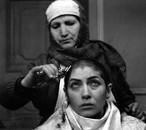 تراشیدن موی بازیگر زن
