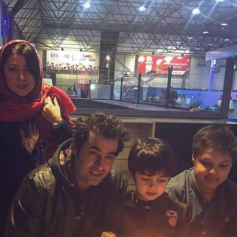 شهاب حسینی و همسر و فرزندانش