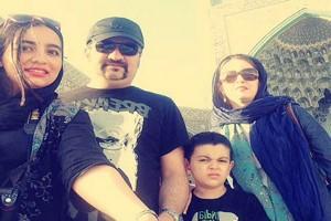 آخرین عکس برفی مهراب قاسمخانیو خانواده در خانه حیاط دارش!
