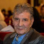 گذری بر زندگی نادر گلچین خواننده و موسیقیدان محبوب