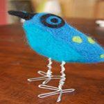 با الیاف پشمی پرنده زیبای آبی درست کنید +تصاویر