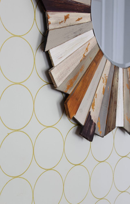 روشی آسان برای تزئین کردن دیوار ساده +تصاویر