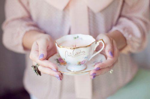ساخت شمع در فنجان چای +تصاویر