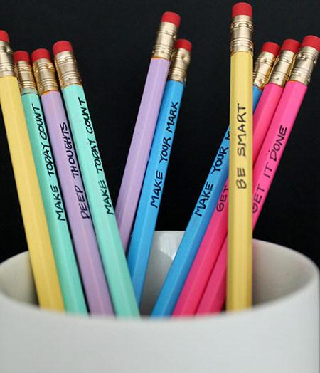 روشی جالب برای تزئین کردن مداد ساده برای مدرسه +تصاویر