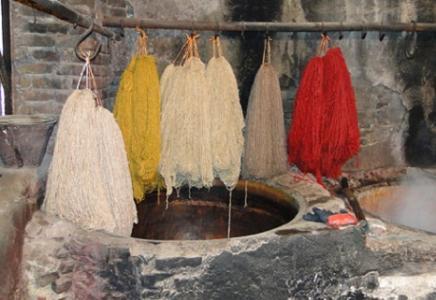 آشنایی با رنگرزی در فرش ایران