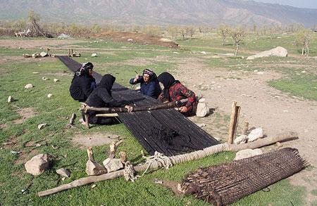 هنر سیاه چادر بافی