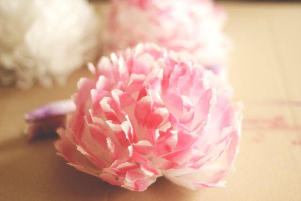 آموزش درست کردن گل تزیینی با دستمال کاغذی