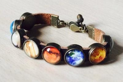آموزش درست کردن دستبند چرمی با طرح سیارات منظومه شمسی!