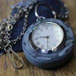 با تکه های جین قاب ساعت جیبی بسازید