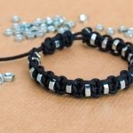 روش ساخت دستبند گره ای با مهره های فلزی