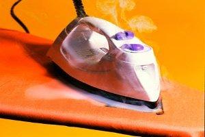 تمیز کردن اثر سوختگی اتو