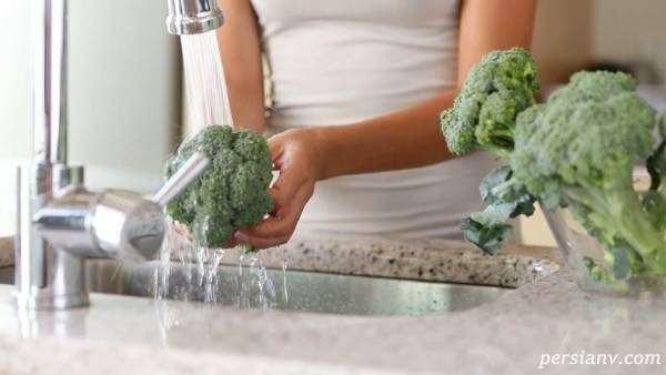 برای اینکه حشرات داخل سبزیجاتی مانند کلم، گل کلم بیرون بیاورید