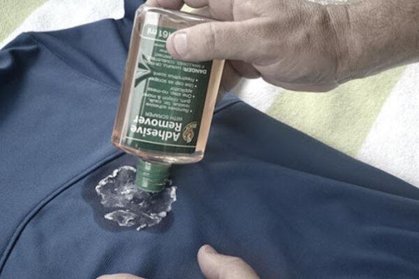 پاک کردن لکه چسب مایع از روی پارچه