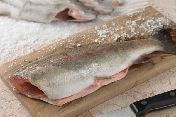 پوست کندن ماهی