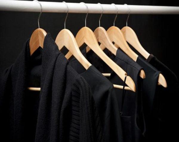 از بین بردن پرز لباس مشکی
