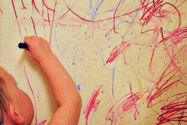 پاک کردن مداد از دیوار