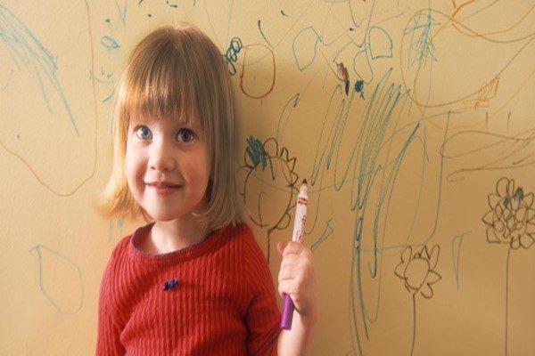 پاک کردن اثر مداد از روی دیوار