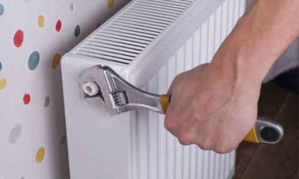 چگونه رادیاتورهای شوفاژ را هواگیری کنیم؟