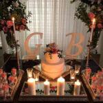 تزیین شمع و گل برای میز نامزدی