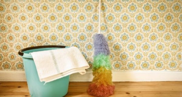 از بین بردن انواع لکه ها از روی کاغذ دیواری