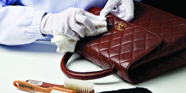 چطور جوهر خودکار را از روی کیف چرمی پاک کنیم؟
