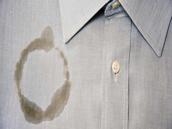 از بین بردن لکه روغن از لباس