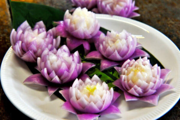 آموزش تزئین پیاز به شکل گل داوودی