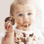 پاک کردن لکه شکلات از روی لباس