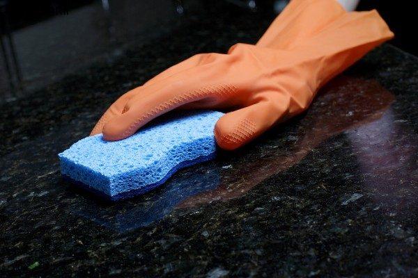 نحوه تمیز کردن سطوحی سنگی