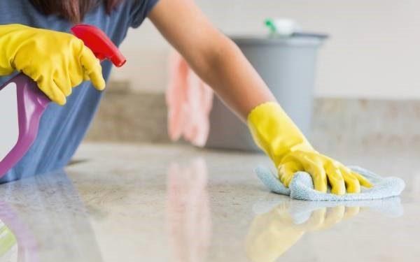 چگونه سطوح سنگی را تمیز کنیم
