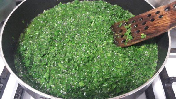 سبزی برای خورش قورمه سبزی