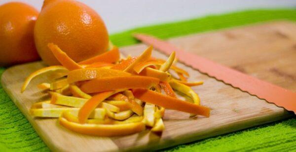 نحوه گرفتن تلخی پوست پرتقال برای خلال