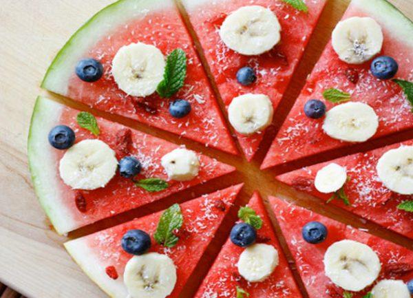 تزیین هندوانه به شکل پیتزا برای سفره افطار+تصاویر