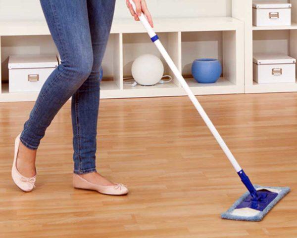نحوه تمیز کردن کف پارکت شده