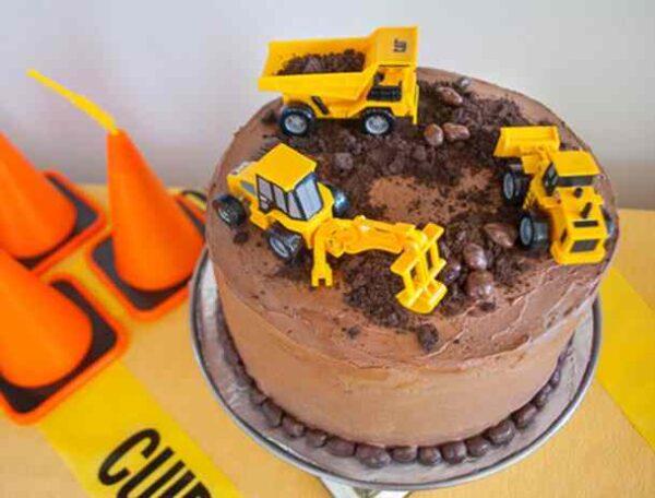 کیک روز مهندس درست کنید و لذت ببرید