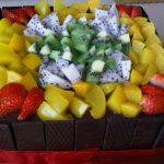 مدل های تزیین کیک اسفنجی با میوه وخامه (۲)+تصاویر