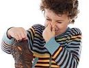 چگونه بوی کفش و پا را از بین ببریم؟